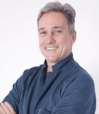 Dr. Julio Brant
