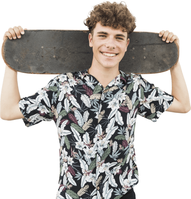 Garoto com skate